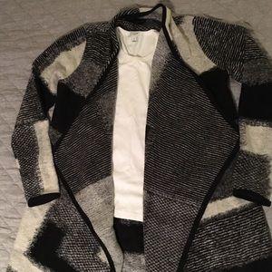 Lucky Brand NWT cardigan, size M